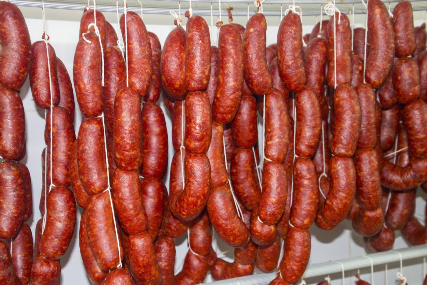 Chorizos de elaboración propia - Carnicería Cosme (Casares)