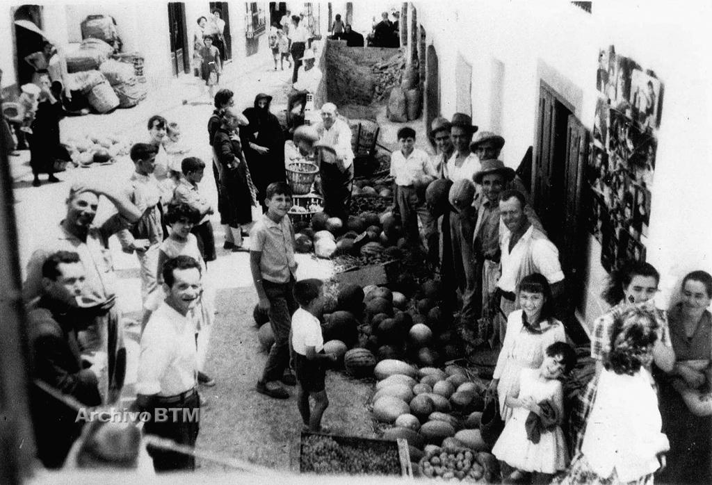 Calle la Fuente. Cinema Ortiz (Casares) Fotografía: Archivo del autor