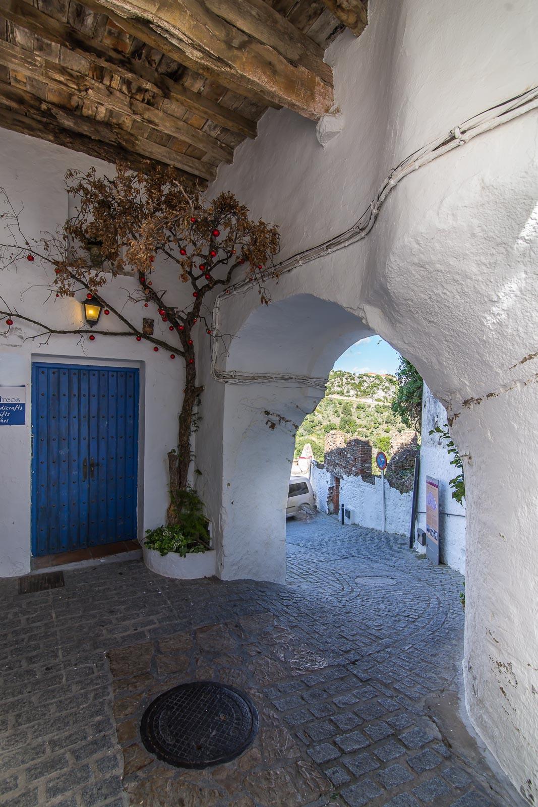Puerta de la calle de la Villa (Casares)