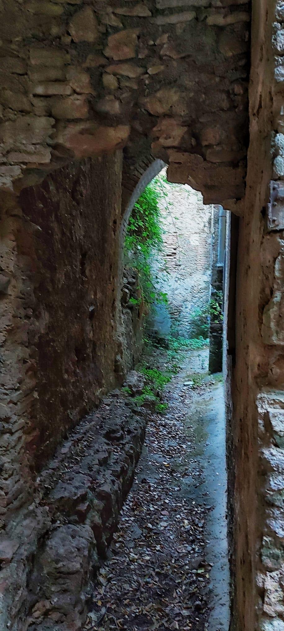 Rutas con historia. En el claustro del convento de Casares